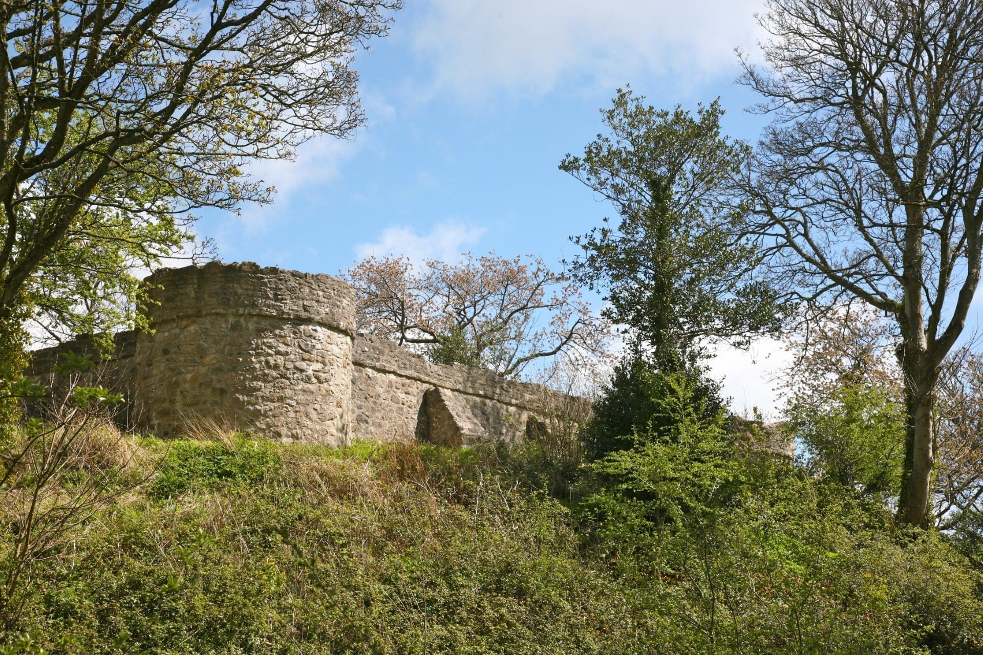 Aberlleiniog Castle in Anglesey